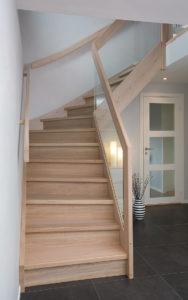 Tett trapp med forus rekke og glass innfrest-2417