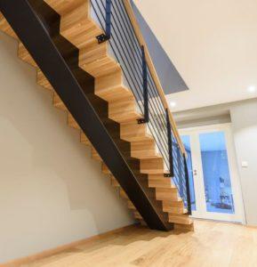 Foldetrapp med sentervange -2593