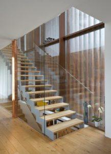 Trapp med stålvange-2606